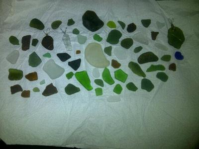 A small sample of our finds! A few are already wire wrapped for pendants. The large, very dark green piece at the top, still stands up.