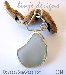 Bezeled sea glass pendant jewelry