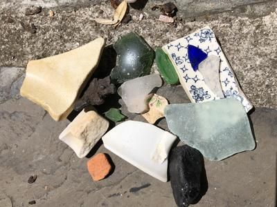 Pottery, clay pipe, sea glass