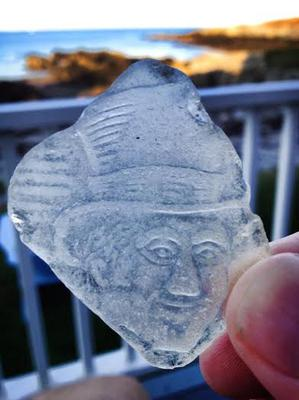 Help in identifying the gentleman or brand on this piece of sea glass