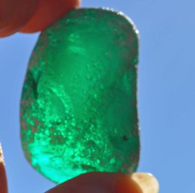 Color and shape of this big green sea glass
