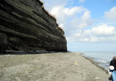 The beach at Port Williams gets full morning sun - high cliffs shade it after noon